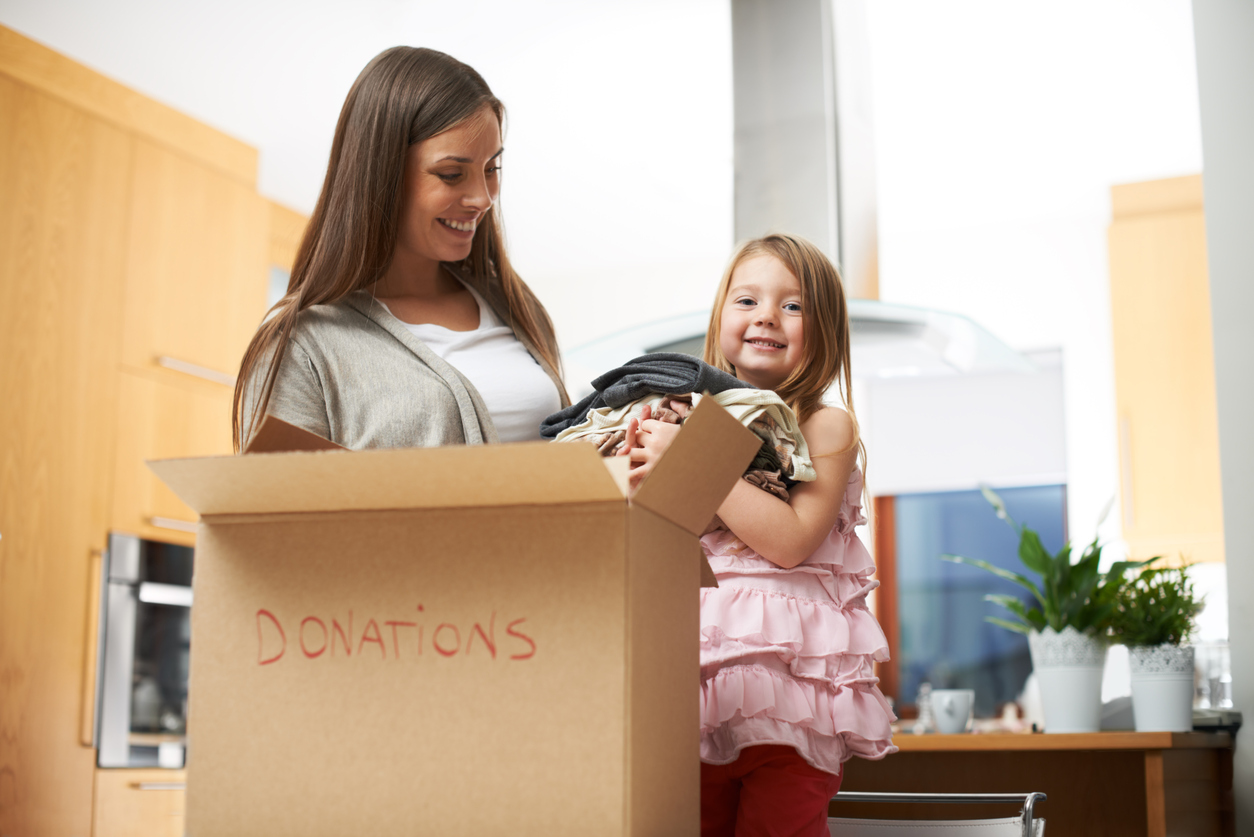 eco-friendly-tips-donate-clothes