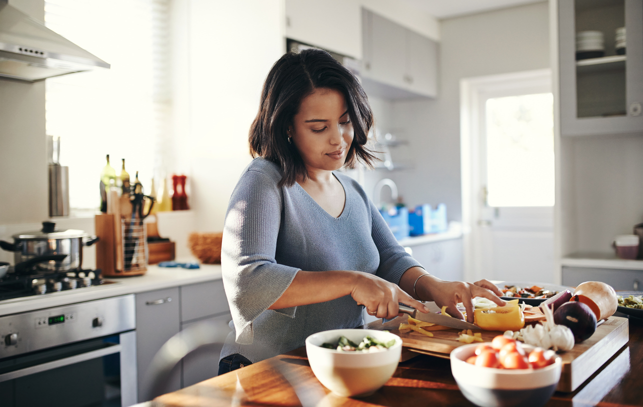 Save energy while cooking at home with these tips!